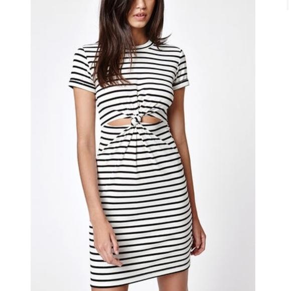 4d3a67693a4 LA Hearts Knot Front T-Shirt Dress. M_5b67cd587c979da1c3b88742